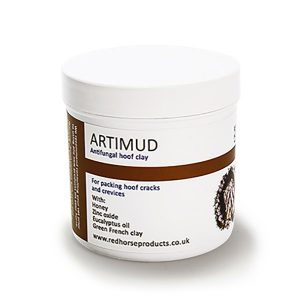 Artimud is a clay based anticirobial hoof putty that packs hoof cracks and crevices.